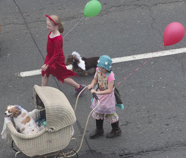 Rotery-paradegirlscarriage